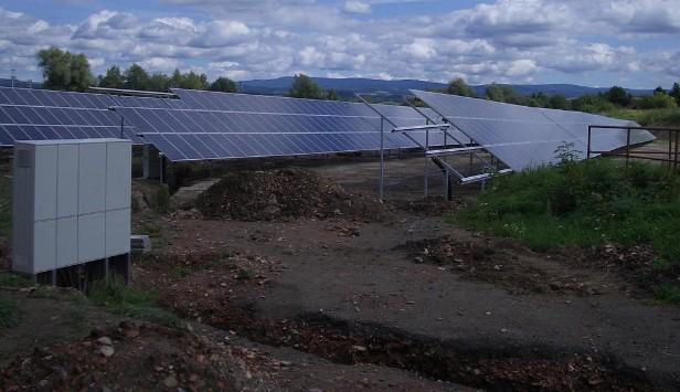 Výstavba solární elektrárny